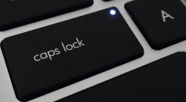 Постоянно мигает Caps Lock