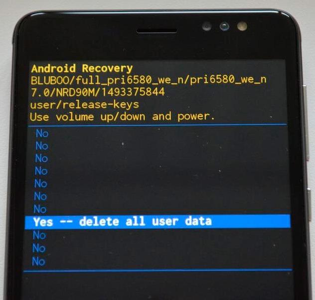 Yes delete all user data - подтверждаем