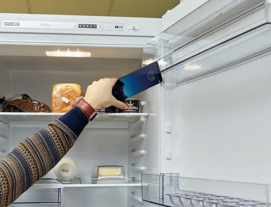 Не кладите-смартфон в -холодильник!
